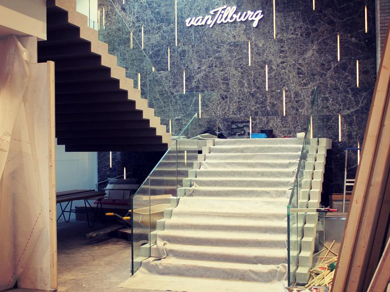 Bijzondere trap in aanbouw