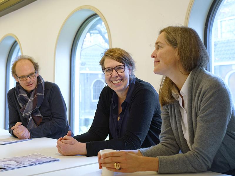 Tibor Joanelly (CH), Annemariken Hilberink en Carmen Rist-Stadelmann (LI)
